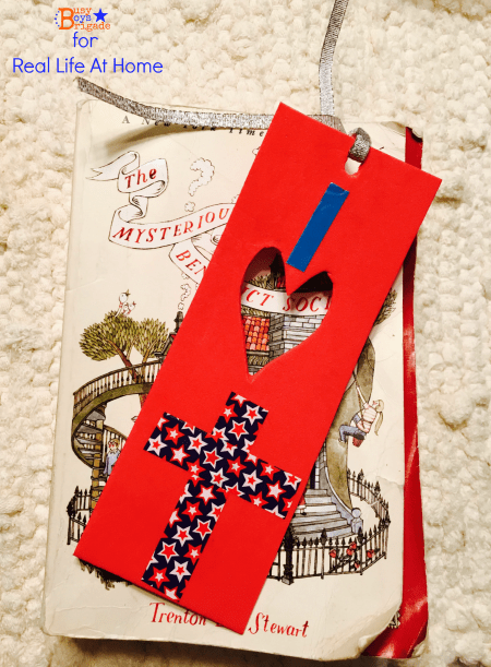 Patriotic and Christian DIY bookmarks using washi tape and other materials that you might already have at home! This post has ideas for design options as well as directions for making the DIY bookmarks.