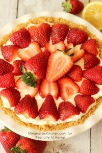 No Bake Strawberry Cheesecake   RealLifeAtHome.com